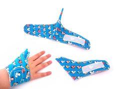 Thumb guard Ducklings themed fabric Cool fit thumb