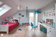 Realizacja domu na Mazurach - Średni pokój dziecka dla dziewczynki dla ucznia dla nastolatka, styl skandynawski - zdjęcie od Vprojekt