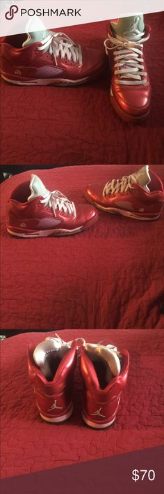 Jordan retro 5's exclusive Valentine's Day Theses were bought on posh but I don't wear them. They are in good used condition . Great for true collectors.6.5/10 condition. Nike Shoes Sneakers