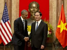 Obama lifts decades-old arms ban in his 1st visit to Vietnam