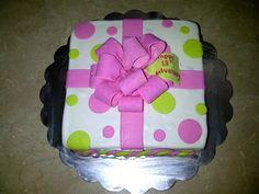 Box cake by Dulce Galeria