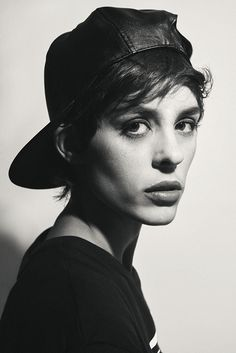 """Model: Jessie-Lou Workman submitted by zeleangelides """" Androgynous Women, Androgynous Fashion, Tomboy Fashion, Punk Fashion, Pretty People, Beautiful People, Gamine Style, Boy Meets Girl, Attractive People"""
