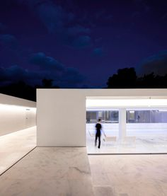 House in a Pine Forest by Fran Silvestre Arquitectos (30)