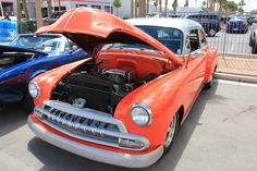 Not sure what kind of car this is, sorry about that #Vintage #LasVegas