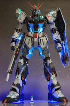 MG 1/100 Nu Gundam Ver. Ka - Customized Build w/ LEDs     Modeled by kmalive