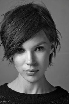 Check Out 23 Best Short Haircuts For Women. Here is a list of favorite and gorgeous short haircuts. For a dramatic change, you can choose one quite short haircut. Short Straight Hair, Short Hair Cuts For Women, Short Hairstyles For Women, Trendy Hairstyles, Straight Hairstyles, Professional Hairstyles, Hairstyles Haircuts, Wedding Hairstyles, Pixie Haircut Styles