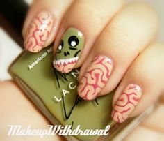 Check out the collection of 15 spooky Halloween nails art designs & Ideas of Use red, black and white color to draws characters so they will gel in with the dark theme of the event of Halloween. Get Nails, Love Nails, Pretty Nails, Hair And Nails, Halloween Nail Designs, Halloween Nail Art, Spooky Halloween, Halloween 2017, Zombie Nails