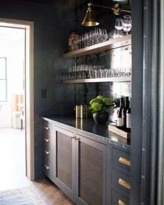 Whittney Parkinson Design is a full service interior design firm. Whittney specializes in commercial design, luxury construction projects and interior furnishing details. Home Wet Bar, Bars For Home, Home Bar Areas, Small Bar Areas, Salons Cosy, Home Bar Designs, Wet Bar Designs, Built In Bar, 3d Home