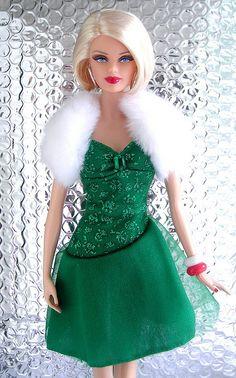 Barbie Basics Christmas - Elf clothing inspiration!*
