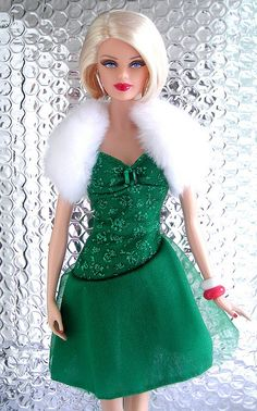 Barbie Basics Christmas - Elf clothing inspiration!*