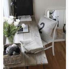 Brilliant DIY Desk Design for Home Office: Rustic Reclaimed Wood DIY Computer Desk Ideas Wicker Basket. home decor.