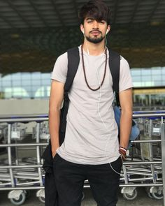 Off to Chennai this morning ! Indian Man, Stylish Boys, Chennai, Superstar, Celebs, Mens Fashion, My Favorite Things, Maxi Dresses, Mj