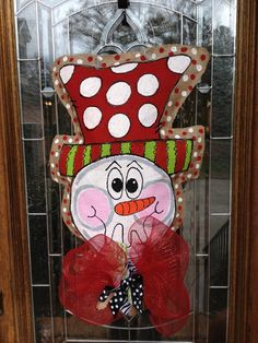 Whimsical snowman burlap hanger Burlap Christmas, Christmas Door, All Things Christmas, Christmas Holidays, Burlap Art, Burlap Crafts, Snowman Decorations, Christmas Decorations, Crafts To Make And Sell
