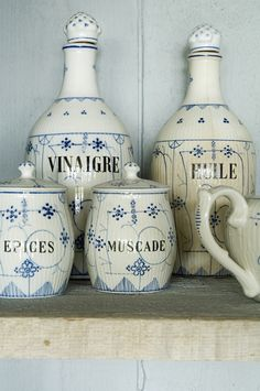 Blue and White | French (original pin)