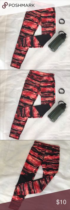 Active Wear Leggings Size XS NWOT New without tags. Active wear capris great for hitting the gym or go for a run. Black Orange color. Sits below waist. Fitted through body. Capris hit at mid-calf. Old Navy Pants Track Pants & Joggers