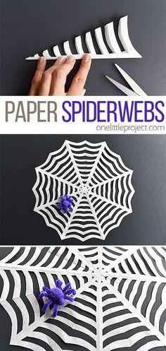 Telarañas de papel Solo necesitas doblar tus servilletas o bolsas de papel en triángulos, y cortar de los lados como se muestra en la imagen. Al desdoblar, tendrás como resultado telarañas de papel increíbles.