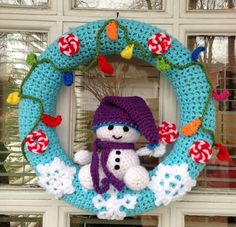 Little Snowman Christmas Wreath Free Crochet Pattern