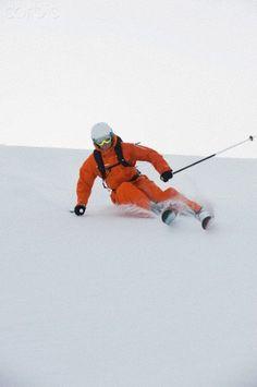 Austria, Kleinwalsertal: Man skiing