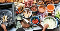 """ACâmara Municipal aprovou, em primeira votação, umprojeto de lei que regulamenta a venda de comida de rua na cidade de São Paulo. Pegando o gancho o caderno Comida, da Folha de S.Paulo, publicou um roteiro bem legal com algumas opções de lugares que já vendem comida ao ar livre (leia matéria original): Chez Burger Inspirado...<br /><a class=""""more-link"""" href=""""https://catracalivre.com.br/sp/gastronomia/indicacao/roteiro-de-comida-de-rua-em-sao-paulo/"""">Continue lendo »</a>"""