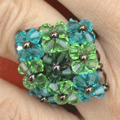 anillo de abalorios Jewelry Tools, I Love Jewelry, Diy Jewelry, Jewelry Making, Beading Projects, Beading Tutorials, Crystal Pendant, Crystal Beads, Beaded Jewelry Designs