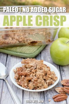 Paleo Grain-Free Apple Crisp - this easy recipe has all the deliciousness of your favorite fall dessert without the gluten, grains, dairy, or sugar! If you're looking for a satisfying healthy dessert, (Paleo Recipes Dessert) Paleo Dessert, Healthy Sweets, Healthy Snacks, Healthy Recipes, Cooking Recipes, Baked Apples Healthy, Paleo Apple Recipes, Healthy Apple Desserts, Healthy Apple Crisps