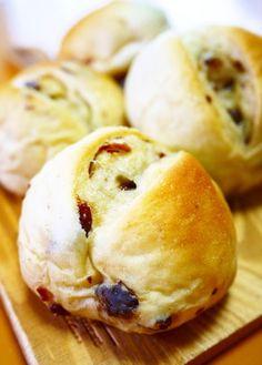 【菓子パン】シュガーバター★レーズンパン by ほっこり~の [クックパッド] 簡単おいしいみんなのレシピが259万品