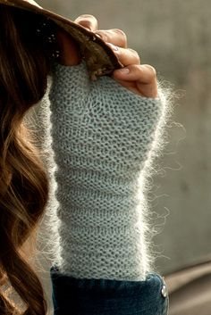 Prue gloves :: via ravelry