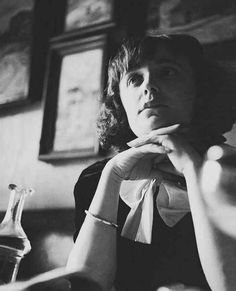 1940 Edith Piaf in a Paris cafe -Jean-Gabriel-Séruzier
