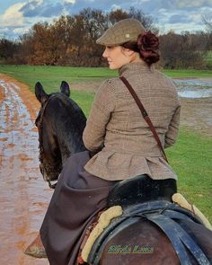 domavaquera (@ladomaenelcampo) • Riding Gear, Riding Helmets, Horses, Hats, Fashion, Moda, Hat, Fasion, Horse