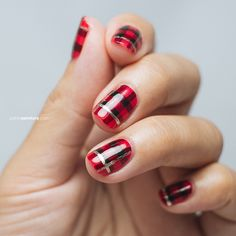 winter plaid nails