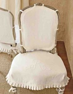 Gorgeous Shabby Chic Chair Covers Design For Dining Room 16 - Home Decor Ideas 2020 French Dining Chairs, Dining Chair Slipcovers, Slipcover Chair, Chair Cushions, Recover Chairs, Bergere Chair, Pink Wallpaper, Room Chairs, Office Chairs