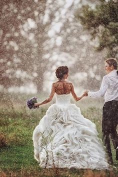 Think theres nothing as unlucky as rain on your wedding day these think theres nothing as unlucky as rain on your wedding day these beautiful and romantic pictures will change your mind weddings pinterest rain junglespirit Image collections