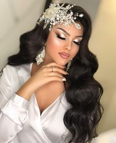 Romantic Hairstyles, Wedding Hairstyles For Long Hair, Bride Hairstyles, Headband Hairstyles, Bridal Hair And Makeup, Bride Makeup, Sexy Makeup, Makeup Looks, Quince Hairstyles