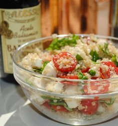Fresh Caprese Quinoa Salad - Fit Foodie Finds #quinoa