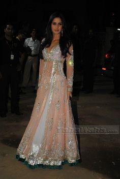 Katrina Kaif @ 2011 Filmfare Awards in Manish Malhotra Lehenga