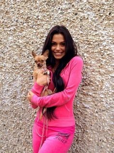 get a juicy couture track suit and a small dog 2000s Fashion, Fashion Outfits, Diy Halloween Costumes For Women, Comfortable Outfits, Bellisima, Juicy Couture, Fashion Brand, Fashion Beauty, Chanel Fashion