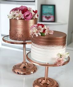25th Birthday Cakes, Birthday Cakes For Women, Golden Cake, Gold Dessert, Birthday Cake Decorating, Painted Cakes, Wedding Cakes With Flowers, Colorful Cakes, Rose Cake