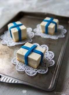 Upfreshing cheesecake with lime. In Finnish Finnish Independence Day, Finland Food, Finnish Recipes, Desert Recipes, Cheesecakes, No Bake Cake, Cake Recipes, Food And Drink, Sweets