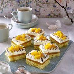 Lambada-Schnitten mit Pfirsich Rezept | LECKER Dory, Mini Cupcakes, Food Art, Sweet Recipes, Panna Cotta, Cheesecake, Food And Drink, Sweets, Baking