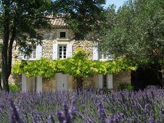 Réservez votre mas de vacances Chantemerle-lès-Grignan, comprenant 7 chambres pour 17 personnes. Votre location de vacances Drôme à partir de 350 € la nuit sur Homelidays.