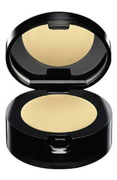 Being someone who struggles a lot with under eye dark circles and has tried numerous concealers, I'd say that Bobbi Brown Creamy Concealer is by far my absolute favorite as it gives a great and a natural looking coverage