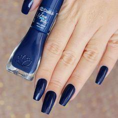 I don't have a blue nail polish like this at all but I just love it 💙 Dark Nails, Matte Nails, Blue Nails, Long Nails, Uñas Fashion, Fashion Design, Blue Nail Designs, Blue Design, Blue Nail Polish