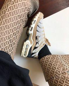 Air Max Sneakers, Sneakers Nike, Sneaker Store, Nike Tn, Baskets, Street Looks, Street Style, Nike Airforce 1, Hype Shoes