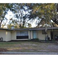 Rent to Own - NE 12th St. Ocala, FL. 34470 Single Family Home 4BD/2BA. 1898 sq ft Rent To Own Homes, Real Estate Articles, Single Family, Fixer Upper, Home And Family, Shed, Outdoor Structures, Things To Sell, Outdoor Decor