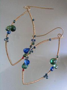 Preppy va Mod...Apatita cobalto cianita azul por bellajewelsII, $238.00