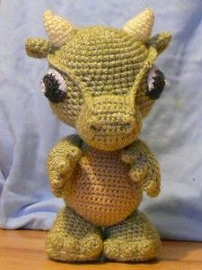 Baby Dragon amigurumi  crochet eyes