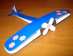 Arts And Crafts Architecture Crafts For Boys, Fathers Day Crafts, Toys For Boys, Diy For Kids, Crafts To Make, Fun Crafts, Paper Crafts, Diy Paper, Airplane Crafts