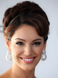 Sexy and Elegant Formal Updos For Medium Length Hair – Celebrities ...