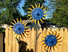 Using metal scrap in the garden. Here are 12 different ways to recycle scrap metal into cool garden art. We like metal in the garden because it lasts.