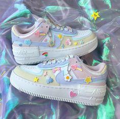 Cute Nike Shoes, Cute Nikes, Cute Sneakers, Kawaii Shoes, Kawaii Clothes, Dream Shoes, New Shoes, Sneakers Fashion, Fashion Shoes